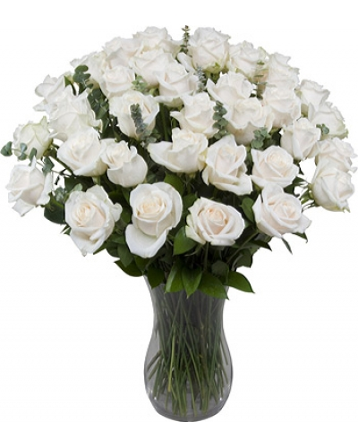 36 Long Stem White Roses With Free Vase
